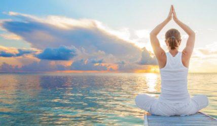 5 поз йоги для сияющей кожи