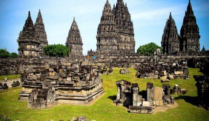 Прамбанан –  місто індуїстських богів в Індонезії