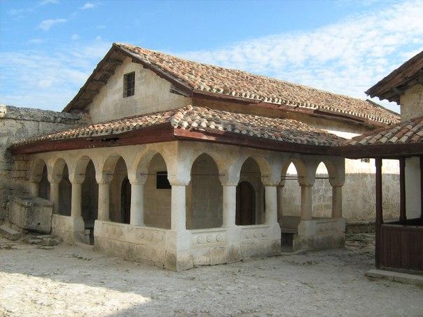 Фото із архіву Олександра Дзюби Кенаса -караїмський будинок молитви.